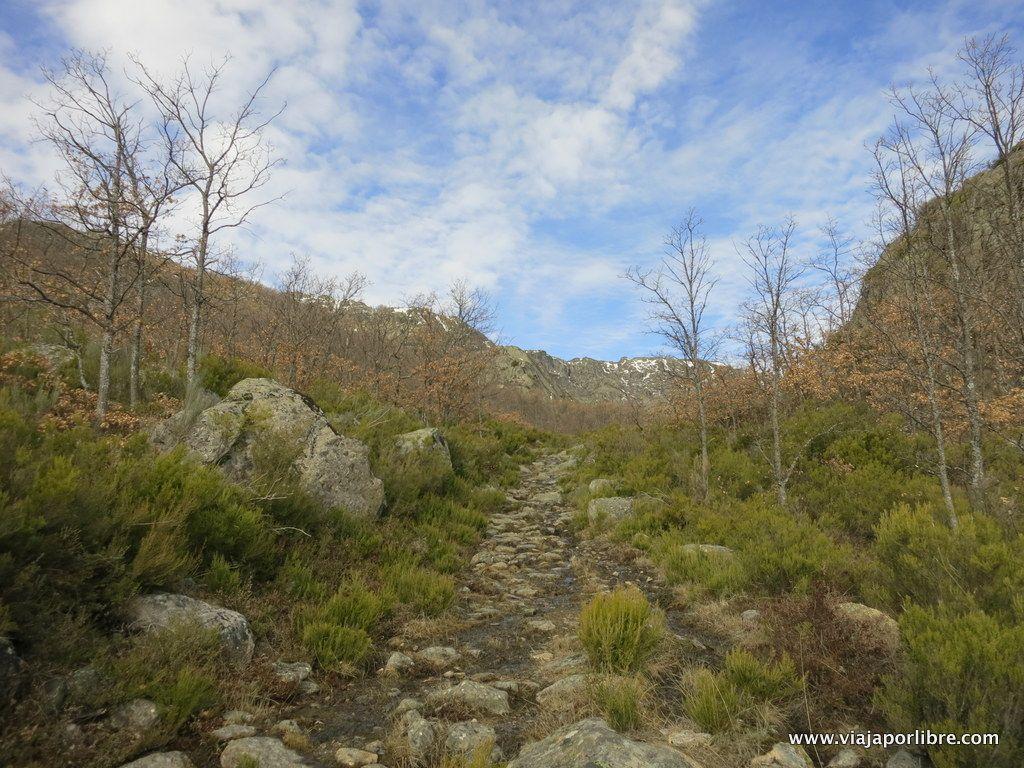 En dirección al Pico del Fraile