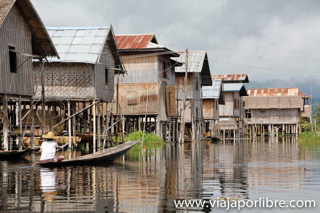 Pueblos flotantes