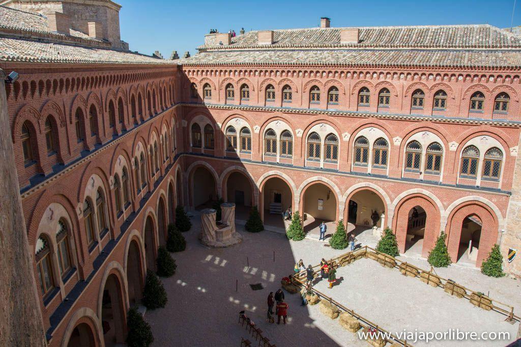 Patio principal - Castillo de Belmonte