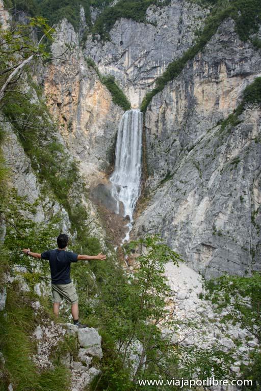 Trekking en Eslovenia - El Alpe Adria Trail - Cascada de Boka
