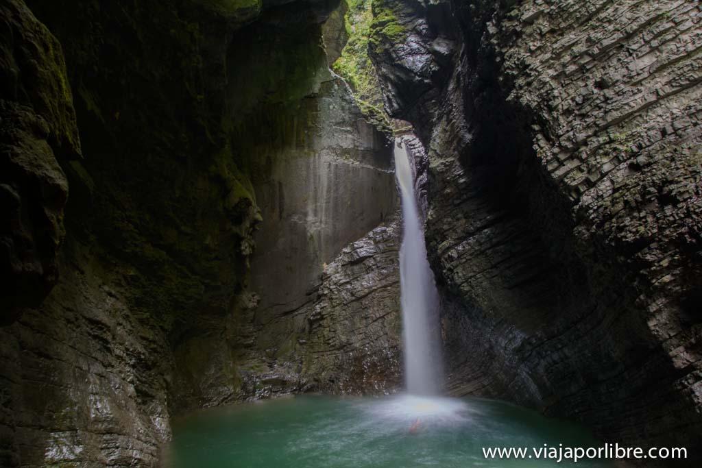 Trekking en Eslovenia - El Alpe Adria Trail - Cascada de Kozjak