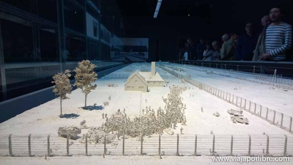 Exposición temporal sobre Auschwitz en el IWM