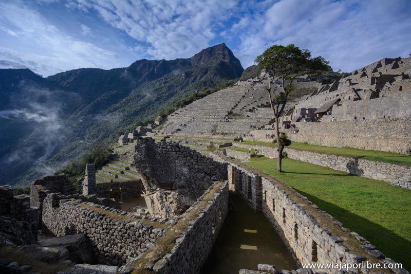 Montaña Machu Picchu desde las ruinas