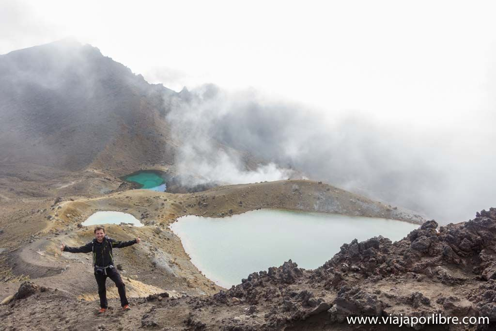 Tongariro Alpne Crossing - Esmerlald Lakes
