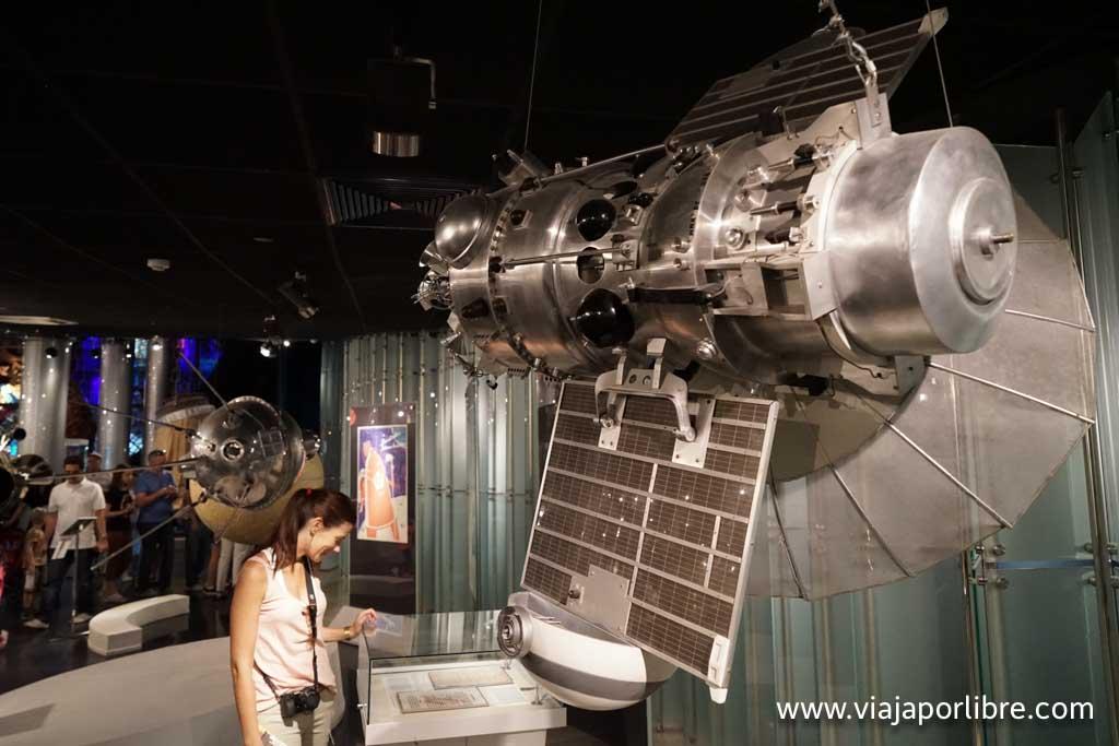 Un satélite en el Museo de la Cosmonautica