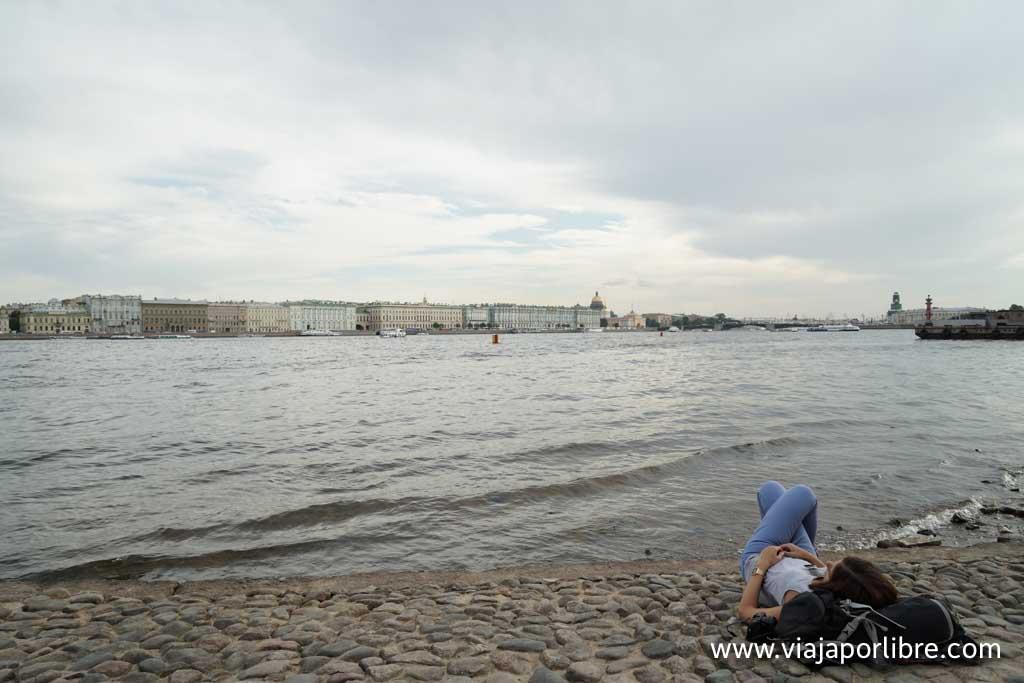 San Petersburgo - Descansando en el río Neva