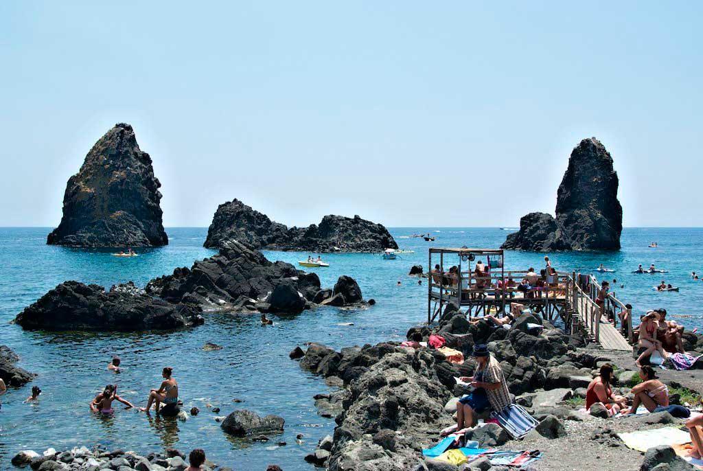 Bucear en la Riviera del Ciclopi