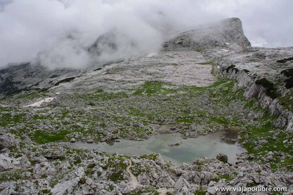 Triglav desde el lago Bohinj