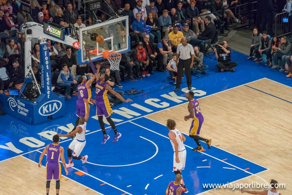 New York Knicks vs Lakers