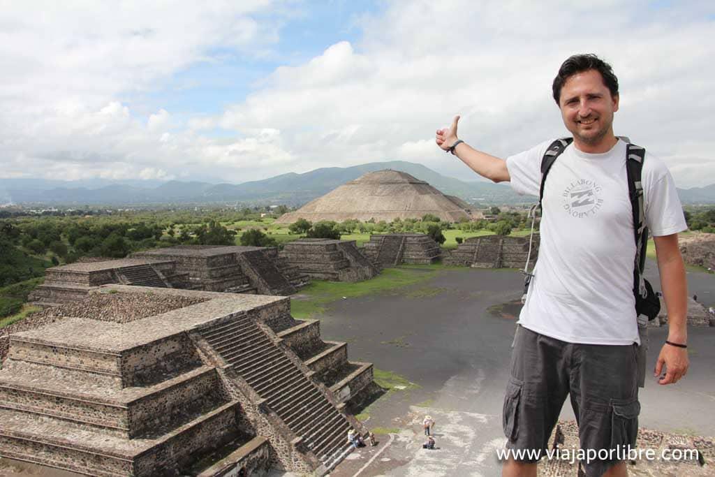 Desde lo alto de la Pirámide de la Luna