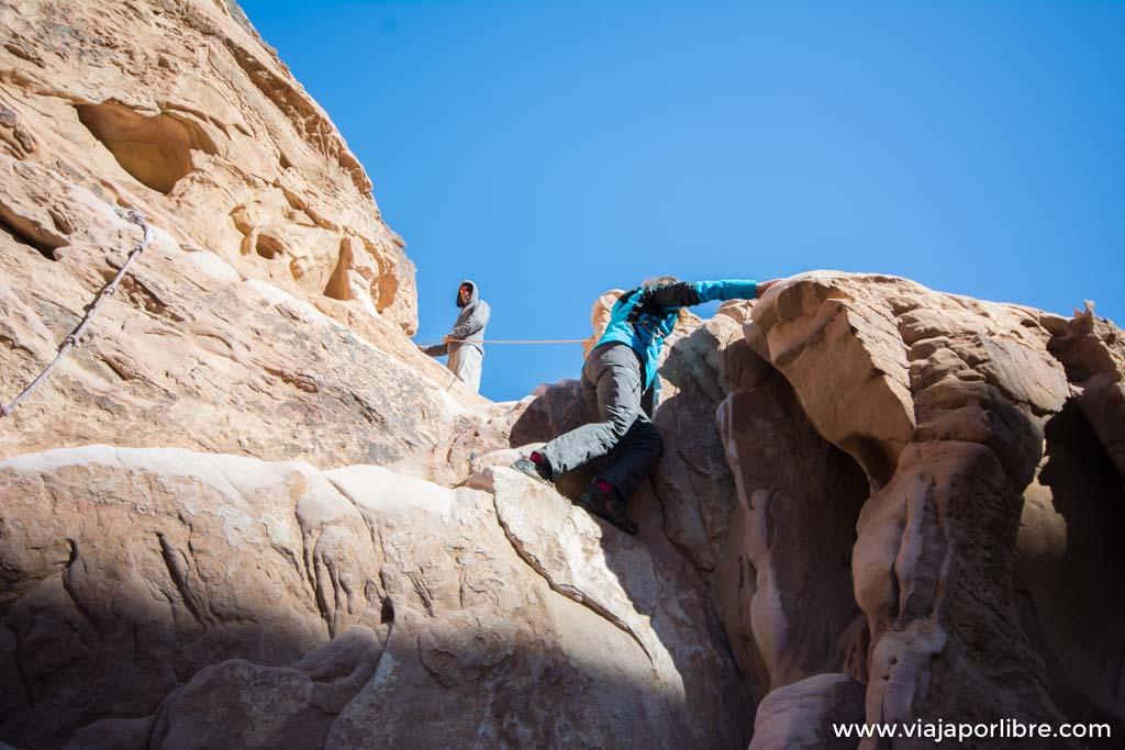 Burdah Bridge, espectacular trekking en Wadi Rum