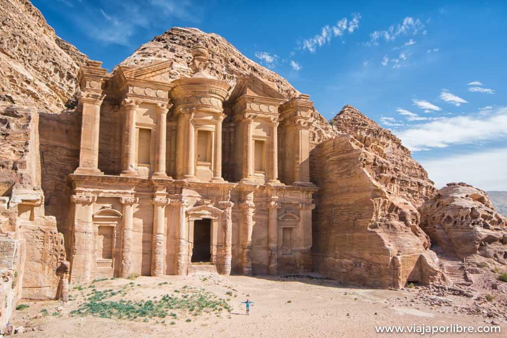 Lugares que debes visitar en Petra incluido el Tesoro