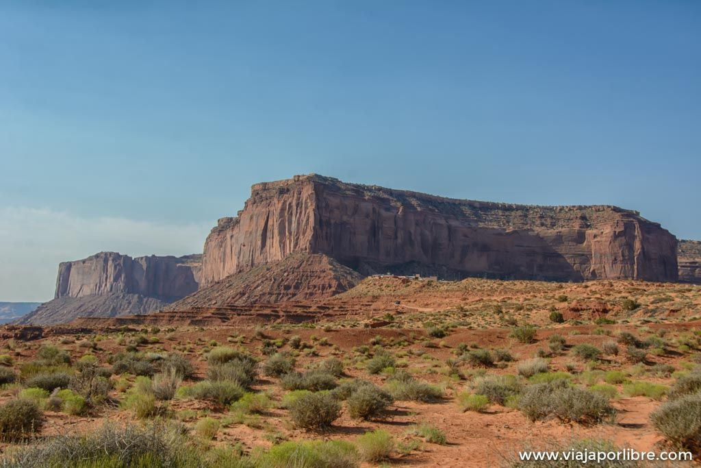 Senderismo en Monument Valley, caminando por el viejo oeste
