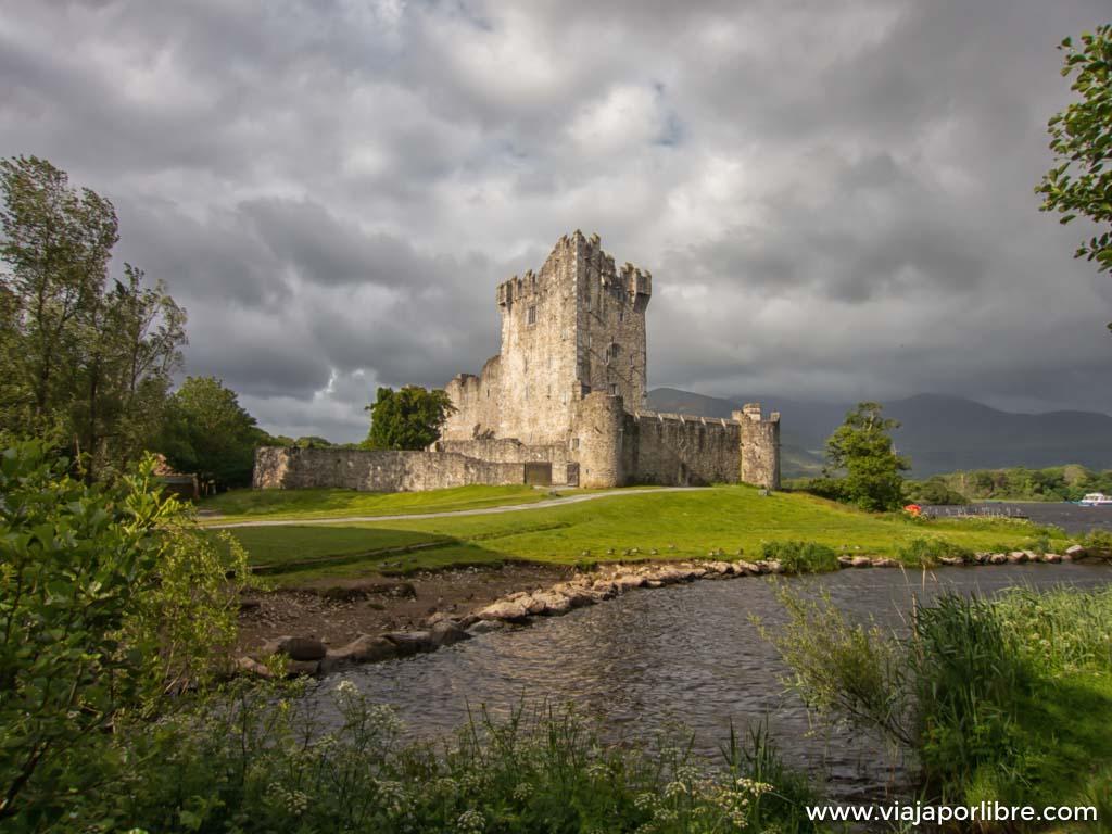 El castillo de Ross en el anillo de Kerry