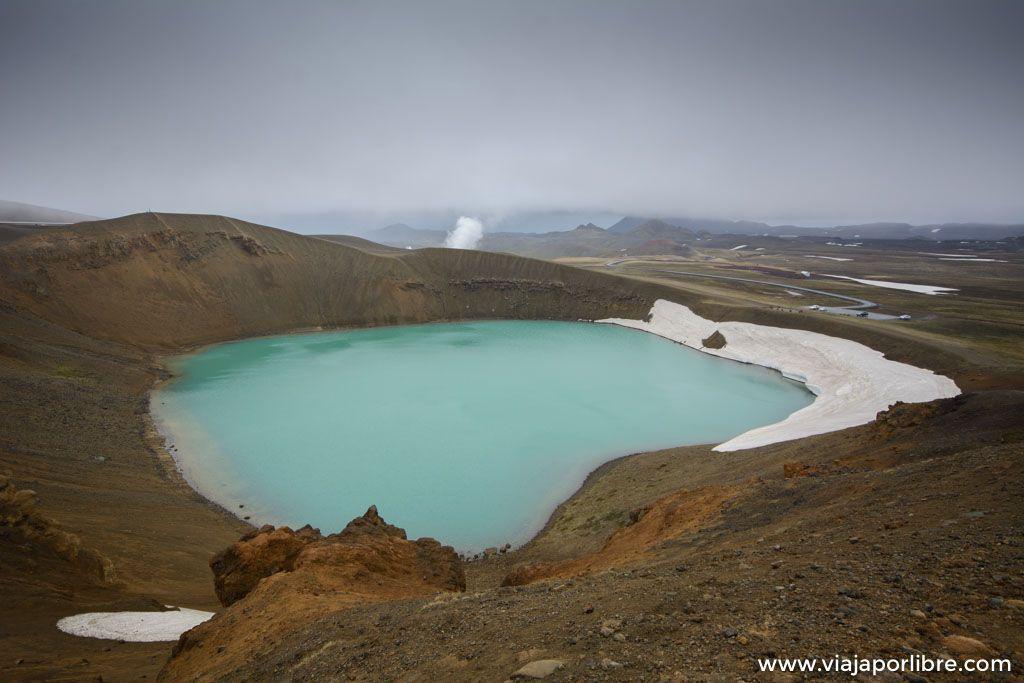 El asombroso cráter Viti en el volcán Krafla de Islandia
