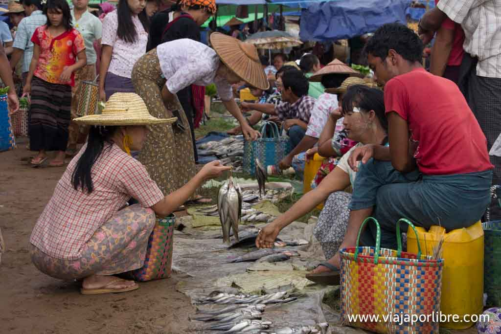 Mercado en Myanmar