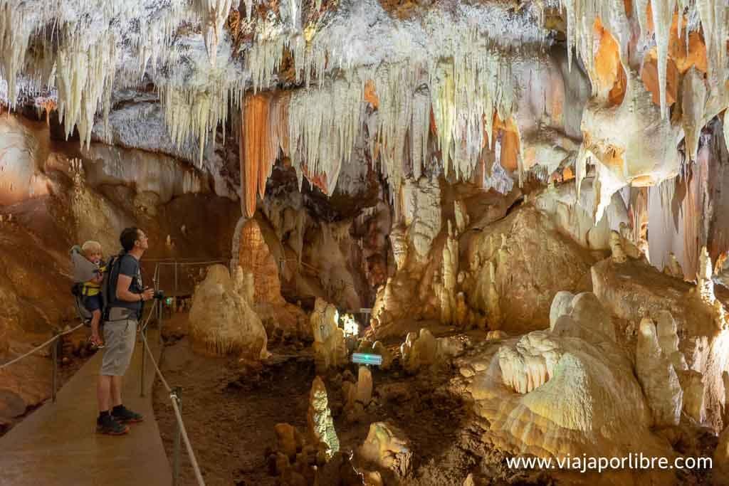 Cuevas del Aguila