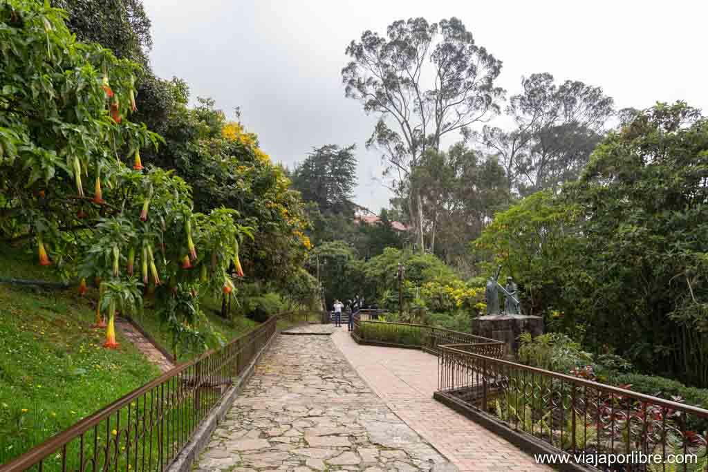 Visitar el cerro de Monserrate en Bogotá