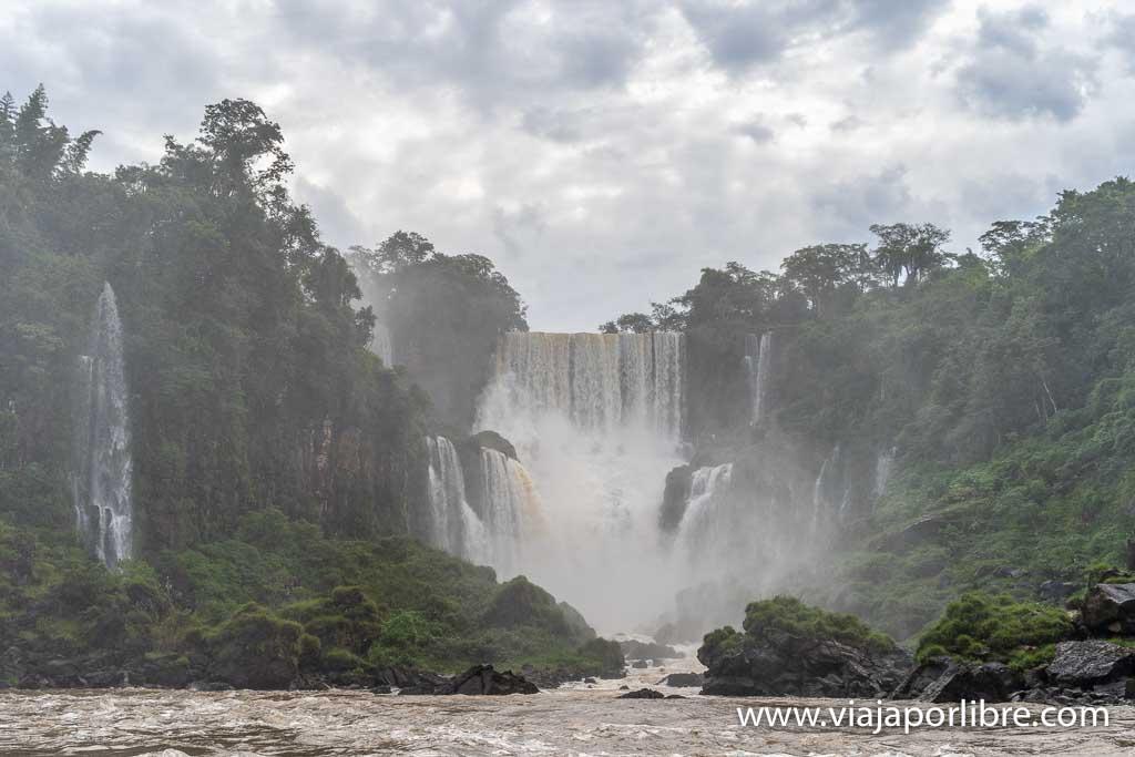 Excursión en barco en Iguazú
