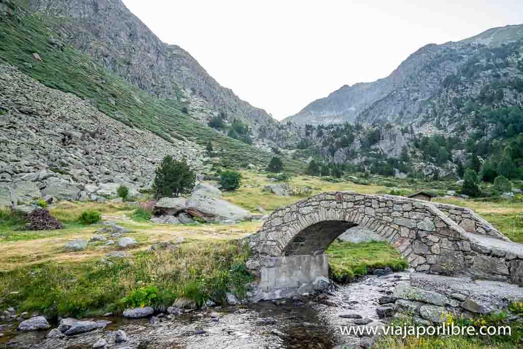 Puente en el Vall d'Incles