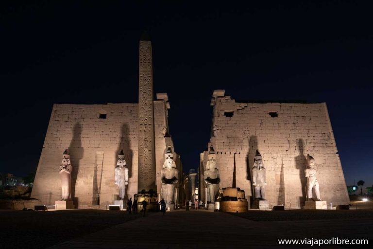 Visita de noche al templo de Luxor en Egipto