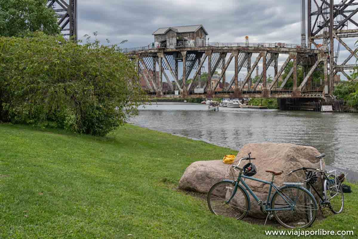 Puente en Ping Tom memorial Park