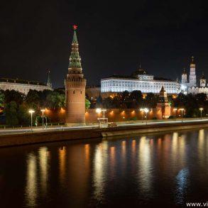 El Kremlin de noche