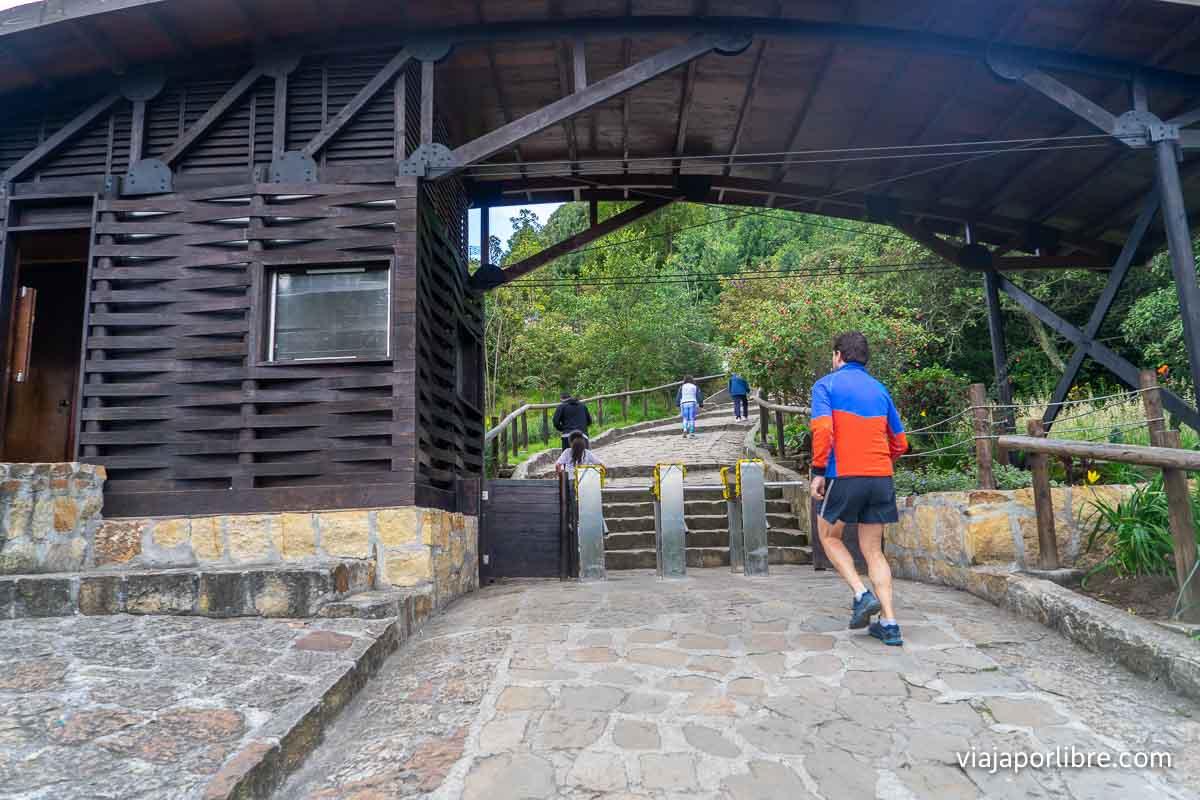 Entrada al Cerro de Monserrate