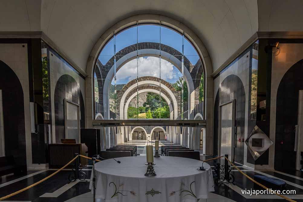 Interior del Santuario de Meritxell