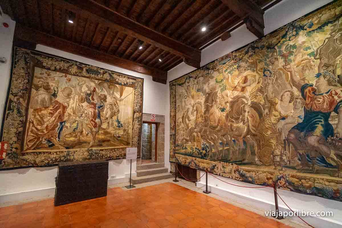 Tapices en el Castillo de Manzanares el Real
