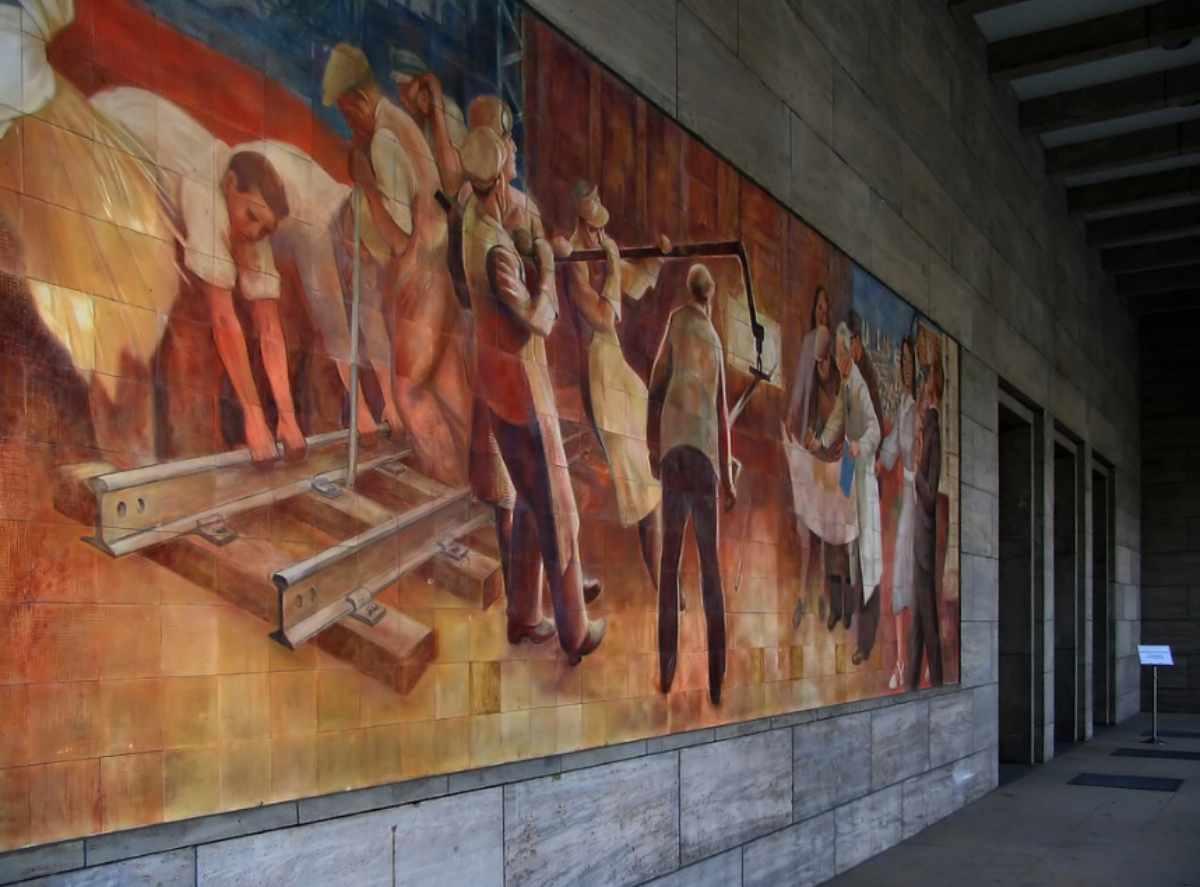 Max Lingner Mural, Detlev-Rohwedder-Haus