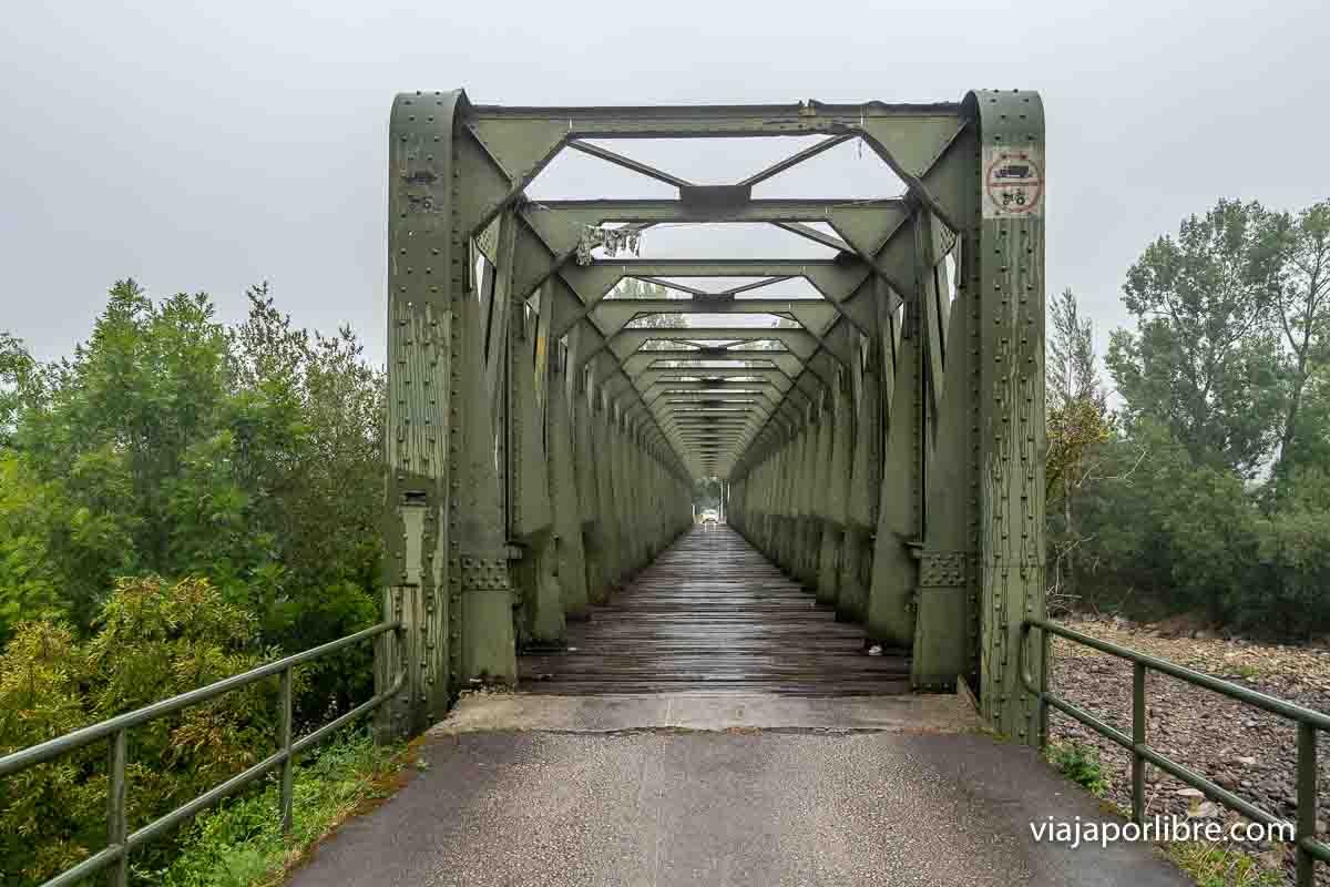 Puente de hierro en la Via Verde del Pas