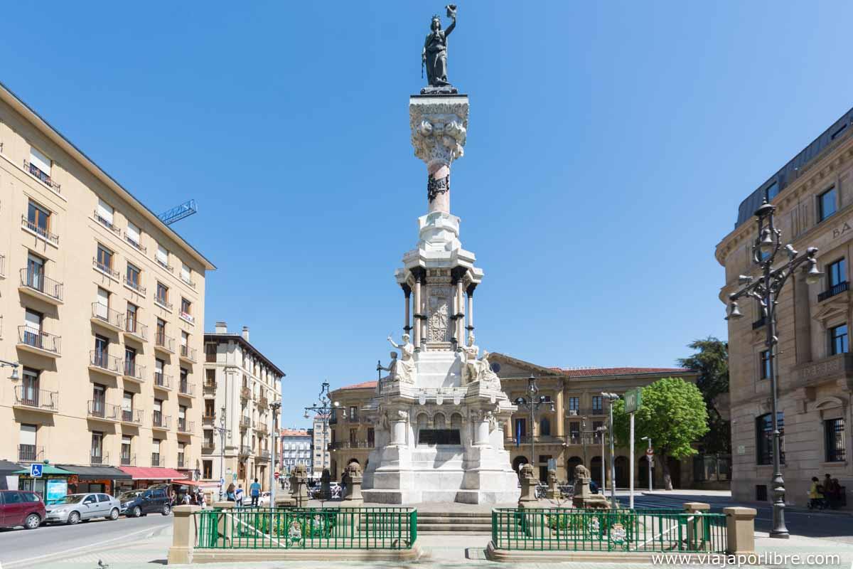 Monumento a los Fueros