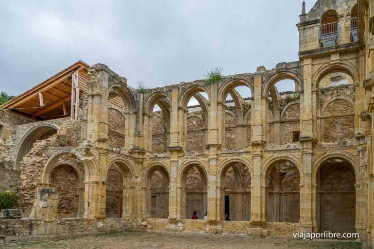 Claustro del Monasterio de Santamaria de Rioseco